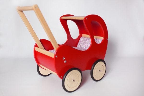 Drewniany wózek dla lalek Retro - czerwień połączona z naturalnym drewnem