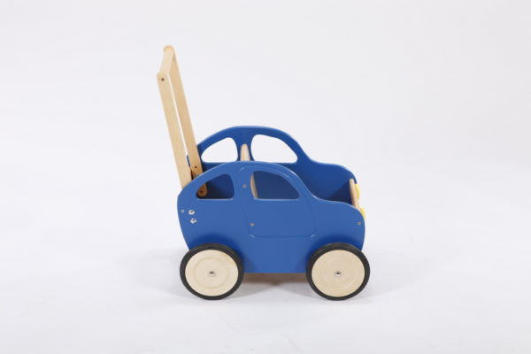 Drewniany wózek – pchacz Autko – niebieska benzyna