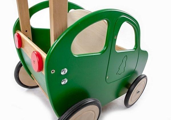 Drewniany wózek – pchacz Autko – zielony eko