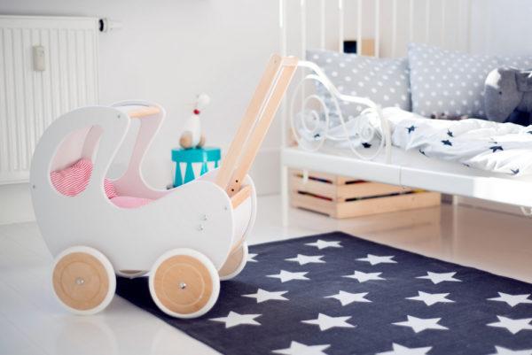 Pościel - śpiworek do wózka dla lalek - czerwone paseczki